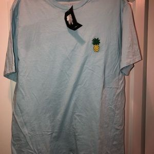 Tee shirt by Fashion Nova‼️